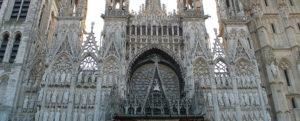 1024px Facade de la Cathédrale de Rouen au matin e1579477558496 300x121 - 1024px-Facade_de_la_Cathédrale_de_Rouen_au_matin